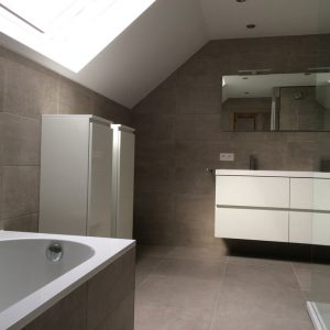 Betegelde badkamer